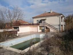 Renovated Holiday Home - 30km from Burgas, SWIMMING POOL, good plot of land, Renovated roof!!!