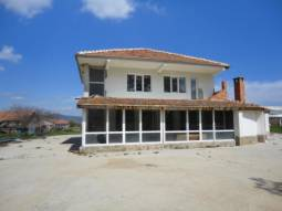 Huge House 160sq.m, Massive plot 3000sq.m, at the Edge of the village, additional outbuildings, 20km to Sunny Beach!