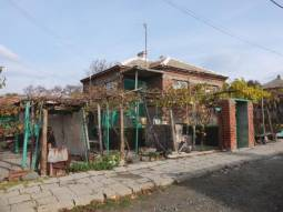 Good Solid home 40km from Burgas and the SEA, additional Outbuildings, popular village, all needed amenities available!