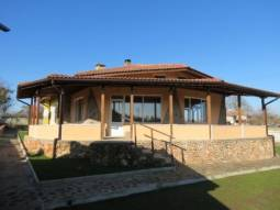 TOP VILLAGE, Brick built wall offering privacy, 20min to Thracian Cliff Golf and Beach!!!