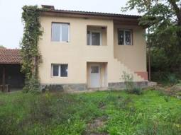20km from the BEACH!!! 3 BEDROOM home just 33km from Burgas and 35km away from the AIRPORT!!! READY TO MOVE IN!!!