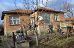 Excellent Home 40km from Varna - 15km to the SEA, 3 bedrooms, Very Good condition, 800sq.m plot!!!