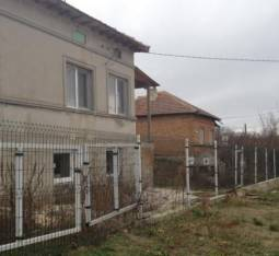 Solid Renovated Home - 30min to the SEA, 10min drive to the city of Dobrich, New Roof, new bathroom/wc, New insulation, New plumbing!!!