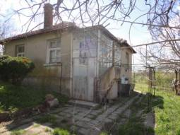 15min Drive to Burgas, 30km from the SEA, Garage, Huge outbuilding - 80sq.m of land, 20min to Airport!!!