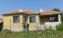 A wonderful property in well-developed coastal village - 10min to SEA, New roof, NEW UPVC windows, New electricity, New plumbing!!!
