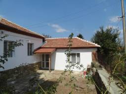 3 bedrooms, 5 600sq.m garden, bathroom/wc, Huge stone Barn - 120sq.m of living area - which can be turned into second House***