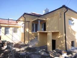 Excellent 3 bedrooms, 2 bathrooms, Central Heating System, 35min drive to Burgas and the SEA!!!