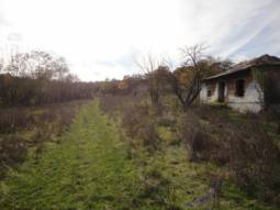 Panoramic Views - 2 500sq.m of land 15min drive from Burgas, Open Views, Peaceful Countryside, Edge of Village Location, Water and Electricity Available, 20min to Airport***