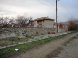 Solid Stone wall, Additional Outbuildings, 3 bedrooms, 40min drive to the SEA****
