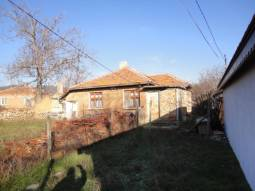 Bungalow 25km from Sunny Beach and Nessebar, good Neighborhood, 600sq.m of land, 3 bedrooms, Top Village, Excellent for Holiday letting and Investment!!!