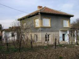 Lovely rural property - hunting area !!! Large garden 1000sq.m, well and additional outbuilding!!!
