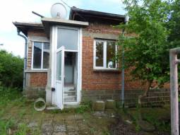 28km from Burgas, new Roof, New Windows, New flooring, All needed amenities in Village, Excellent place for Relocation****Additional Outbuildings Available***