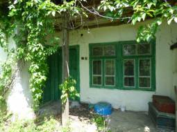Private Open Views, Edge of Village location, 3 200sq.m of Land with an Old House, 30min to Burgas, Summer Kitchen, Just 2min from Highway, NEXT to the Fields****