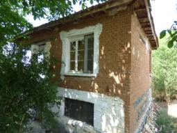 Lovely Well-Maintained Property 23km from the SEA and Burgas City, Renovated Roof, 3 bedrooms, good sized plot of 600sq.m, 30min to the Airport*****