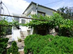 7km from the SEA, Top Village, Ready to move in, Main sewage available, Schools, Hospital, Banks, 10min to the Airport, bathroom/wc, Renovated Roof !!! Strongly Recommended