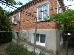 Big House + Summer Kitchen + Guest House + 2 Garages, Central Heating System, New Bathroom/wc, Renovated Roof, New UPVC windows!!! Ready to Move in!!!