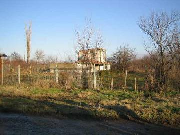 SL 051Flat plot of land 25km far from Sliven close to the main E-773 highway! Located in the