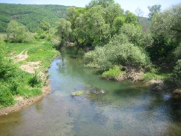 It is 30   min   away from Bourgas and the airport   and just 10km away from Tsarevo.