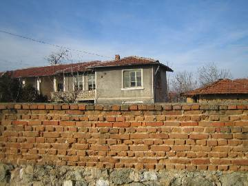 This is a beautiful two-storey house, situated in the outskirts of a friendly and neat village, very close the town of   Simeonovgrad  , some 1  0   km away.