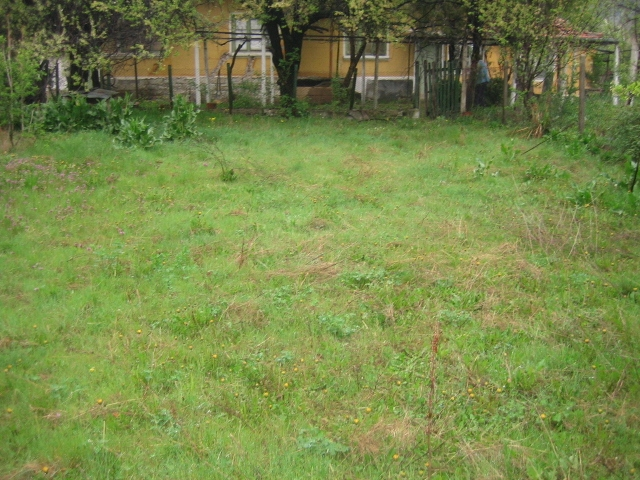 VL 544 NEW LOWER PRICE! Nice bungalow with vast plot of land, Top Location!