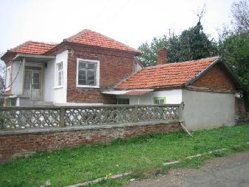 VL 555 NEWLY REDUCED PRICE Spacious house in the countryside with a strategic location!