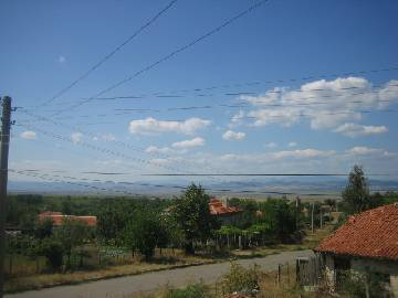 PL 213 Wonderful house close to the Balkan Range and the main highway after a total renovation!